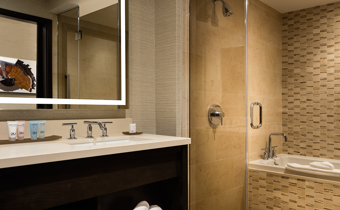 Chumash Hotel Bathroom with Combo Shower Tub