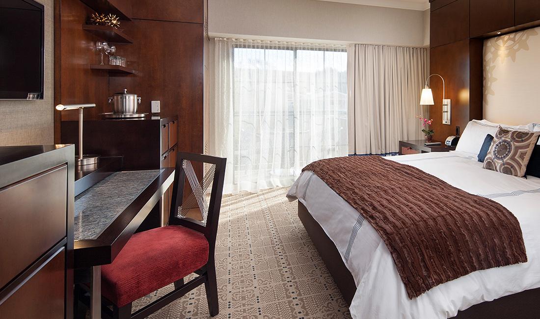 Chumash Hotel Standard King 3