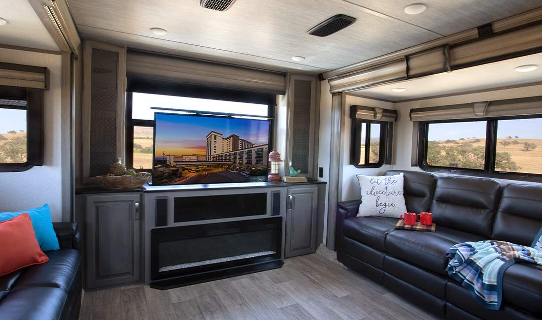 5th Wheel Living Space